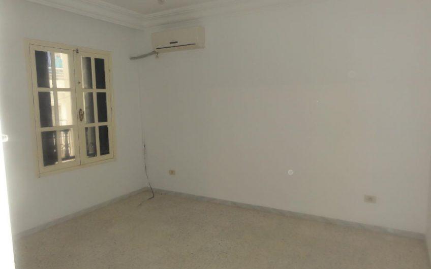 Appartement non Meublé à Khezama Est