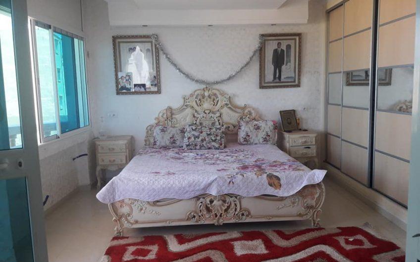 Une villa Indépendante à Vendre à Sidi Abdelhamid
